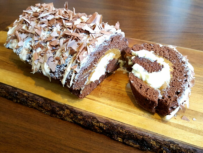 Banoffee Swiss Roll by The Fat Foodie
