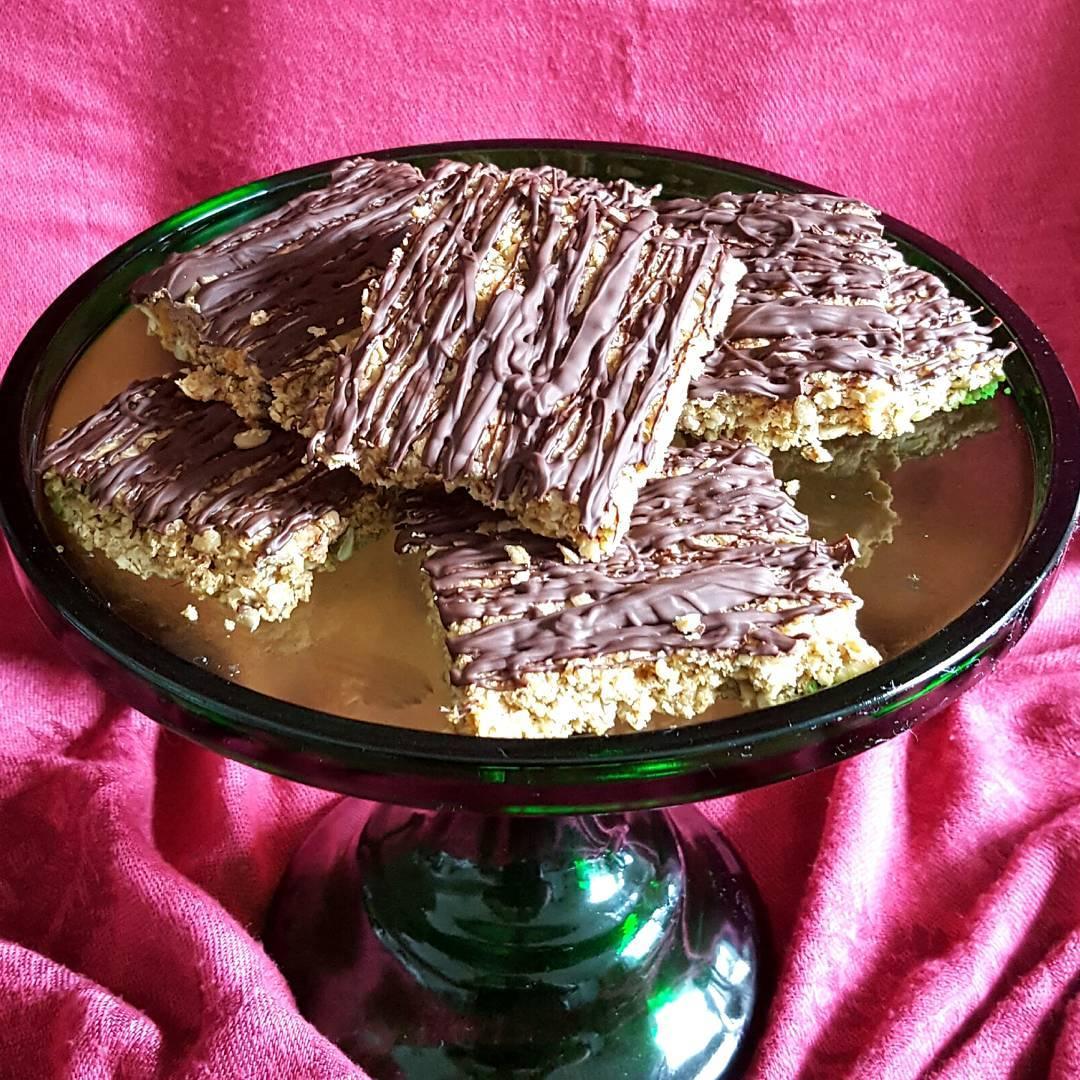 Dark Chocolate and Ginger Oaties httpthefatfoodiecouk20170412darkchocolategingeroaties thefatfoodie oats oatmealcookies oatbiscuitshellip