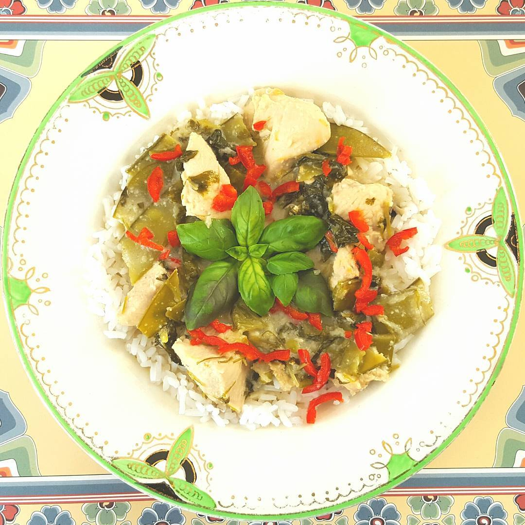 A really easy but incredibly delicious Thai Green Curry Linkhellip