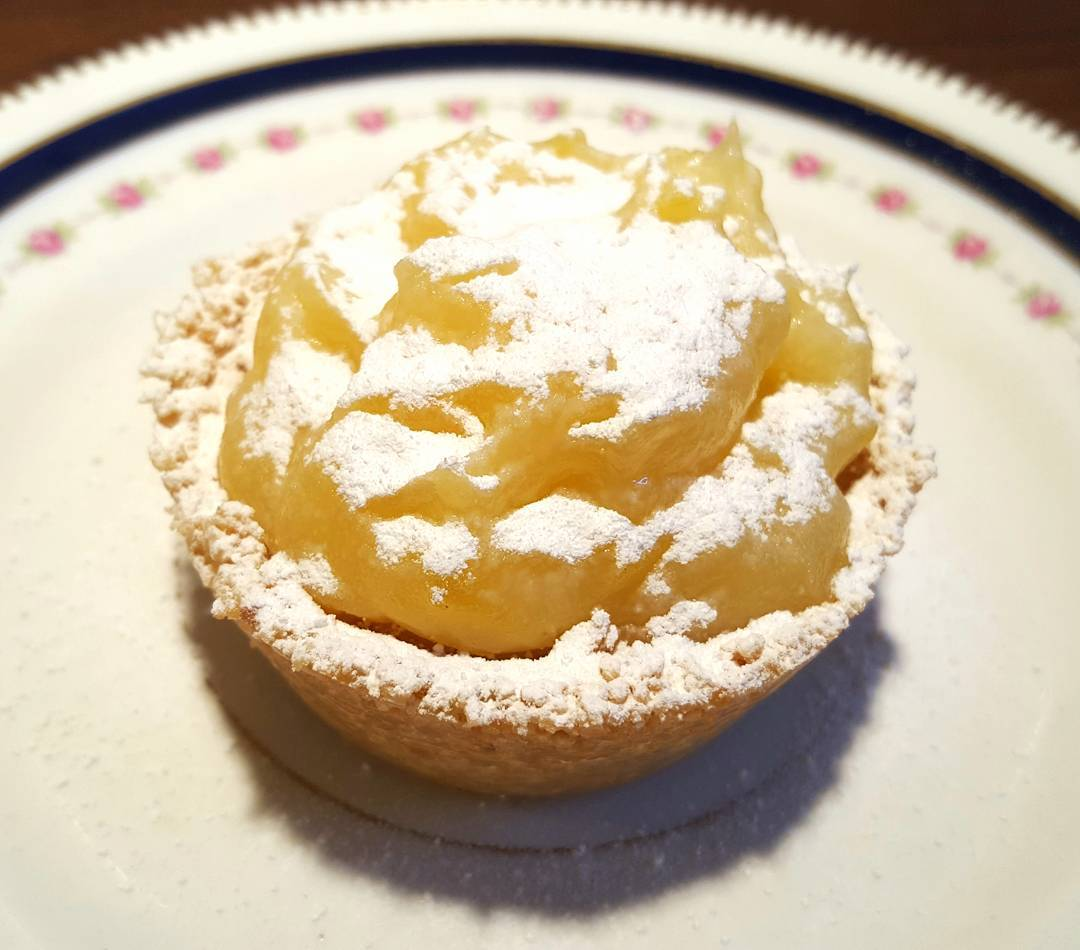 Deliciously creamy sweet and zesty Lemon Tarts that have justhellip